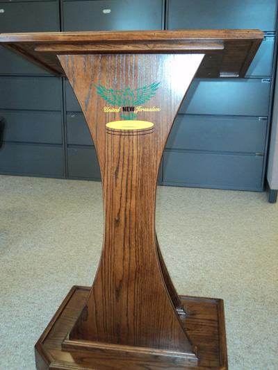 custom-speaker-stand